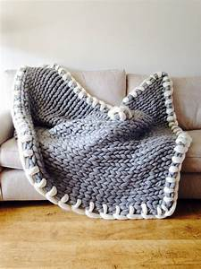 Chunky Knit Decke : the 25 best chunky knit throw ideas on pinterest large knit blanket blankets and chunky blanket ~ Whattoseeinmadrid.com Haus und Dekorationen