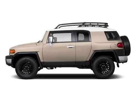 Jeep Vs Fj Cruiser by 2014 Jeep Wrangler Unlimited Vs 2014 Toyota Fj Cruiser