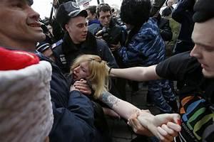 Ukraine Crisis: Crimea Votes to Join Russia as US Sends ...