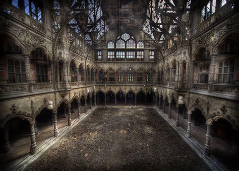 chambre du commerce a beleza assombrosa de lugares abandonados