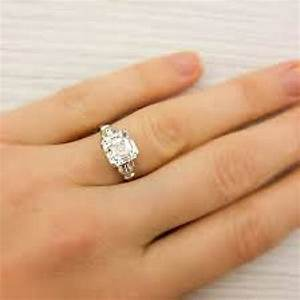 7 cool tricks to pick the right engagement ring that will With which finger is your wedding ring finger