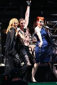 Kylie Minogue and Jake Shears Photos Photos - Kylie ...