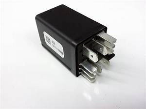 Volkswagen Jetta Accessory Power Relay  Location 499