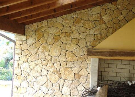 rivestimenti per terrazzi esterni piastrelle per rivestimento muro esterno con pietra