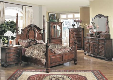 traditional antique poster king size bed dresser mirror