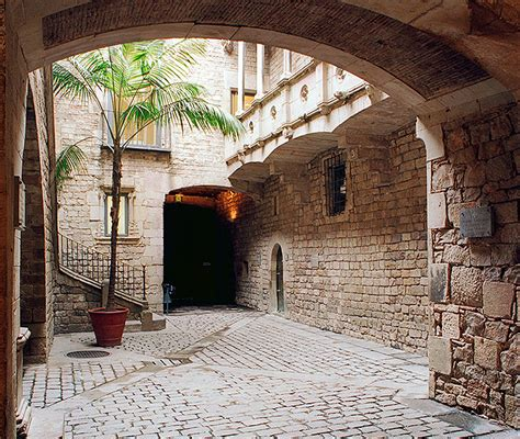 Private Tours in Barcelona – Picasso Museum & Gothic ...