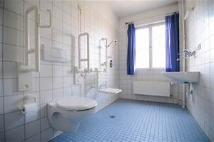 Badezimmer Altersgerecht Umbauen Zuschuss Krankenkasse : hilfe im bad haus der hilfe ~ Fotosdekora.club Haus und Dekorationen