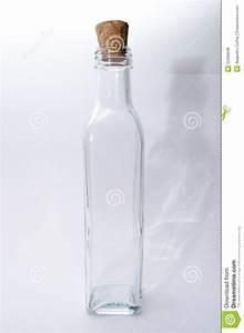 Bouteille En Verre Vide : bouteille en verre vide photo stock image du frais lame 52268648 ~ Teatrodelosmanantiales.com Idées de Décoration