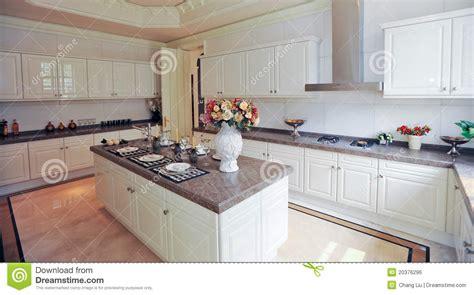 5 arm floor l armá do branco da cozinha do projeto moderno foto de