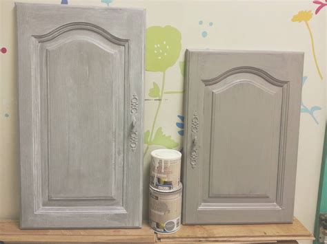 peindre placard cuisine meuble de cuisine brut peindre meubles de cuisine en bois