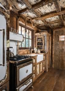 Rustic Log Cabin Kitchen Ideas by 25 Best Ideas About Rustic Cabin Kitchens On