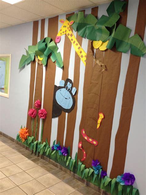 25 best ideas about jungle decorations on 434 | c32700fc8602fbf997d1158cf0f50757