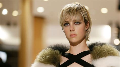 coupe de cheveux edie campbell mary peterson blog