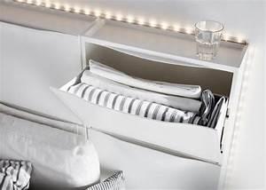 Ikea Schuhschrank Trones : sechs ikea trones aufbewahrungen in wei ergeben ein kopfteil f r ein bett home inspiration ~ Orissabook.com Haus und Dekorationen