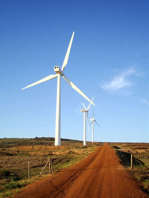 Первые ветроэлектростанции ветряк джеймса блита ветроэлектростанция чарльза браша турбина поль ла кура история ветрогенератора