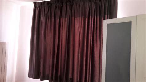 tessuto oscurante per tende tende in tessuto oscurante e ignifugo color bordeaux
