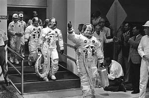 Neil Armstrong dead at 82 - LA Times