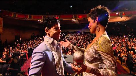 prince presenting halle berry  naacp image awards