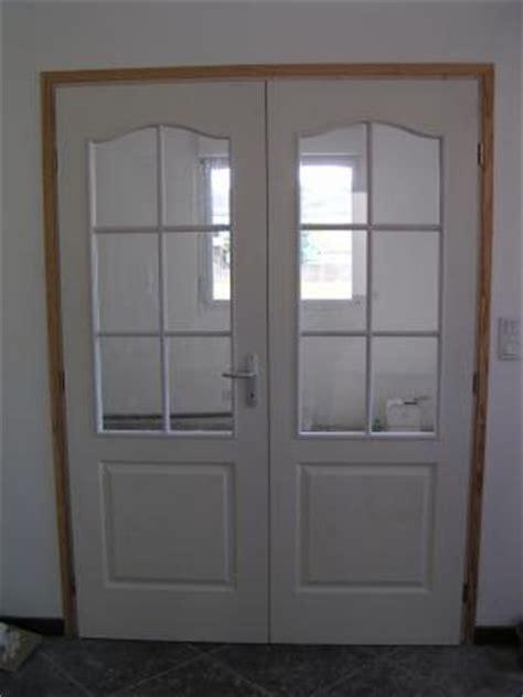 porte de la cuisine les portes vitrées du salon et de la cuisine la