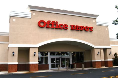 bureau depot office depot closing 400 us stores and wall is