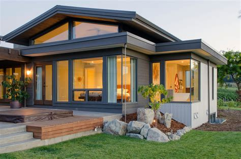Modern Craftsman Custom Homes