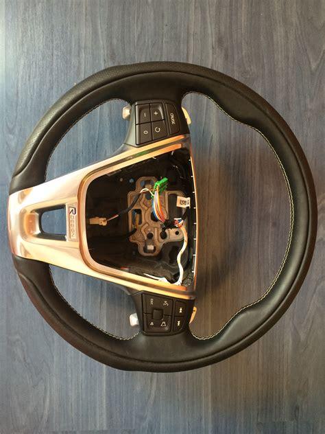 volvo   xc steering wheel  design wpaddle