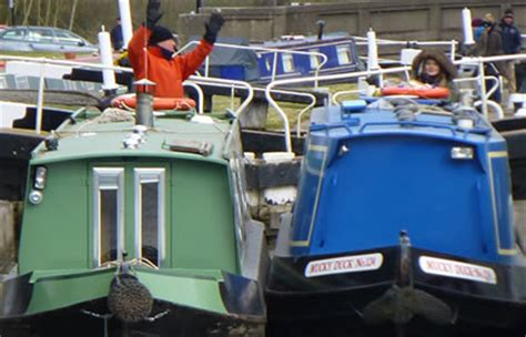 Boat Shop Leighton Buzzard by The Leighton Buzzard And Return From Gayton Canal Boating