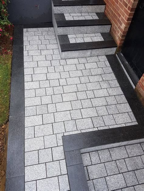 light grey sawn granite setts granite driveway setts