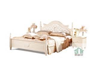 Antique White Bedroom Set Picture