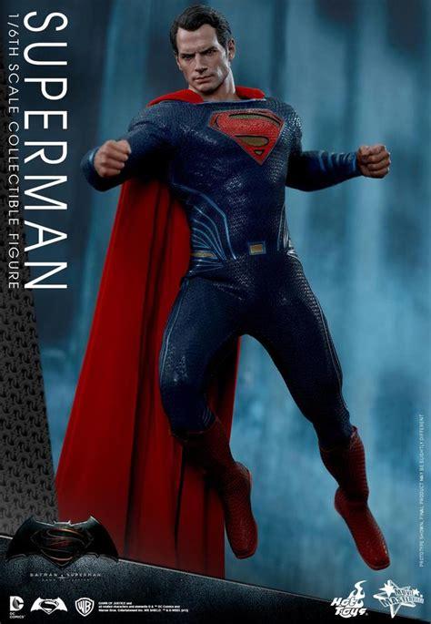 batman  superman hot toys action figures unveiled