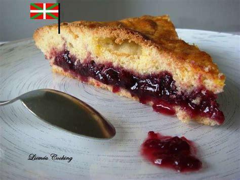 specialite basque cuisine recettes de gâteau basque et confiture