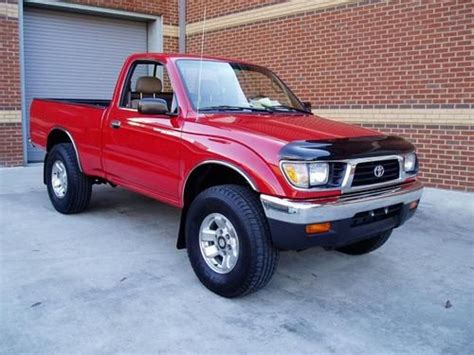 buy   toyota tacoma   owner  miles