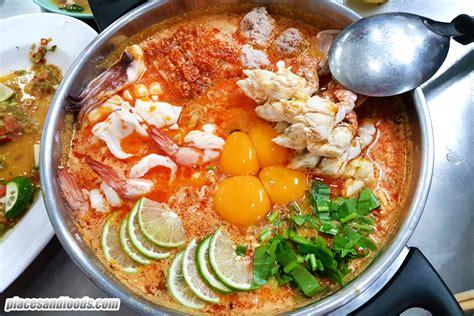 Jeh O Chula Popular Tom Yum Mama Noodles in Bangkok