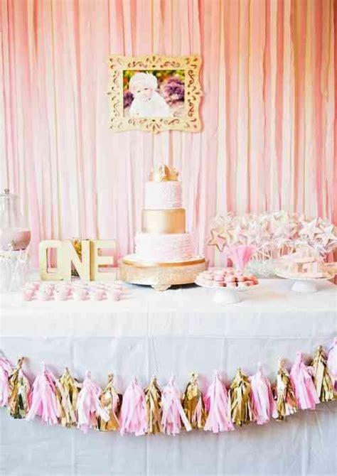 decoration anniversaire 1 an garon les 25 meilleures id 233 es concernant g 226 teaux d anniversaire pour princesse sur g 226 teaux
