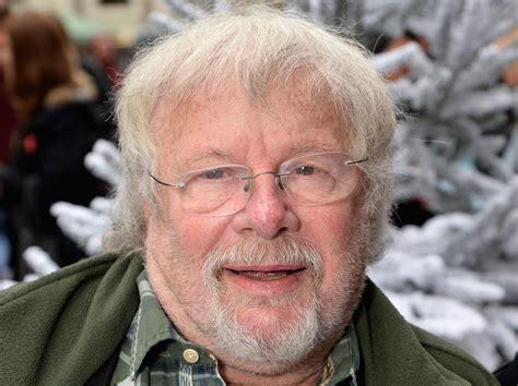 bill oddie suggests  large british families