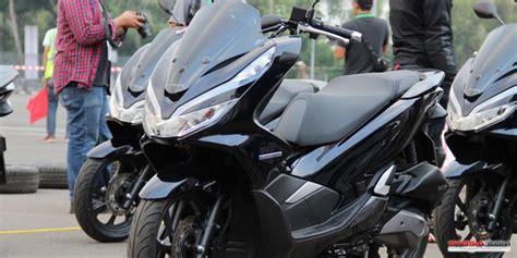 Pcx 2018 Depok by Brosur Kredit Motor Honda 2018 Medan