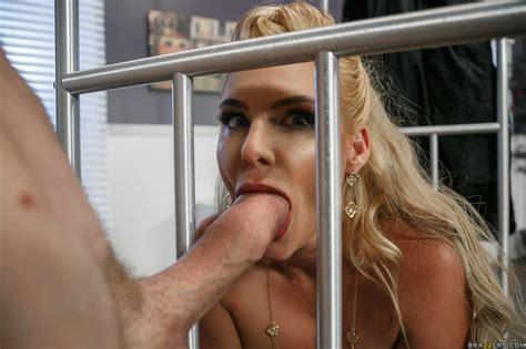 Phoenix Marie Likes Steamy Sex From Behind Milf Fox