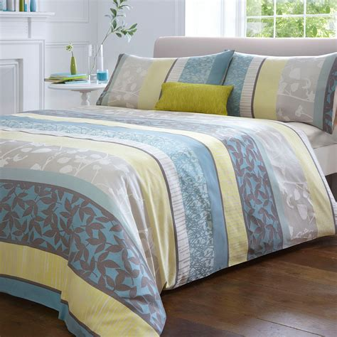 Debenhams Teal 'leila' Jacquard Flower Bed Linen Pair Of
