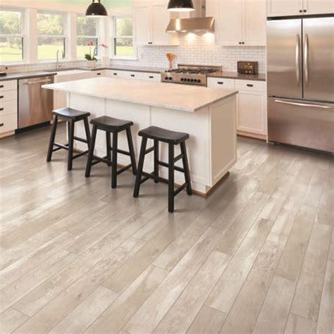 lowes pergo flooring sale top 28 pergo xp flooring lowes 25 best ideas about pergo laminate flooring on pinterest