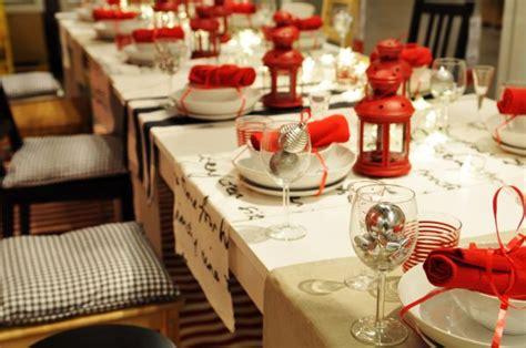 come apparecchiare la tavola di natale foto tavola di natale con lanterne 73465 tomato