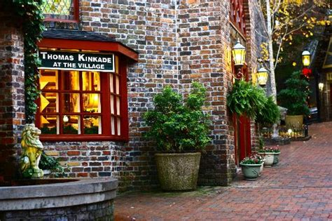 Thomas Kinkade Shop - Picture of The Village Shops ...