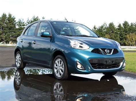 Nissan March by Nissan March 2014 Catalogo Atraccion360