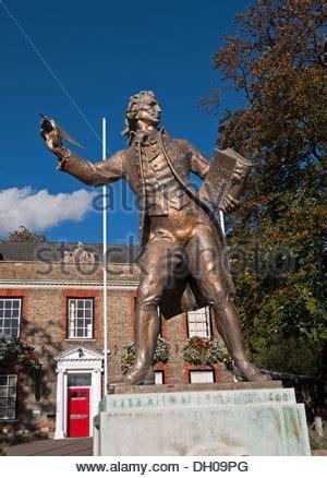 thomas paine king statue of thomas paine in thetford norfolk england stock