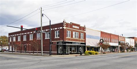 File:Dillon Downtown Historic District.jpg - Wikimedia Commons