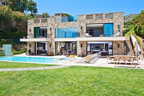 Multimillion Dollar House On Malibu Beach! Architecture