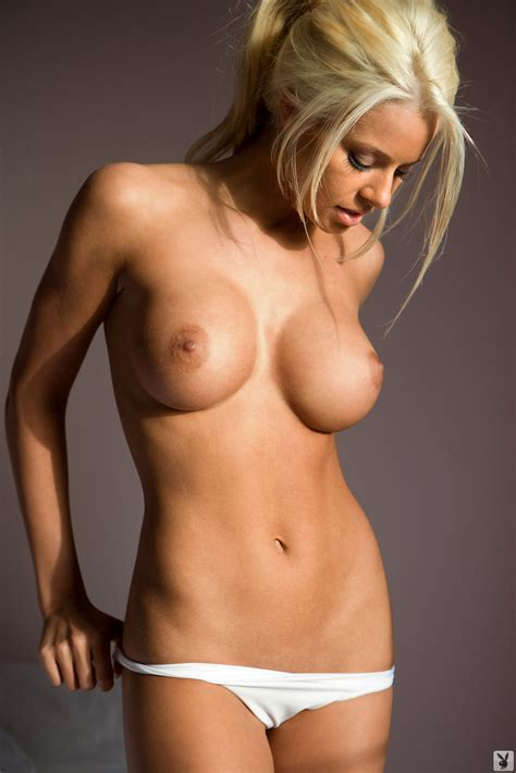 Maryseoullet1 In Gallery Wwe Diva Maryse Ouellet