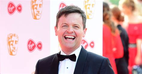 Declan Donnelly covers Simon Cowell in toilet paper as BGT ...