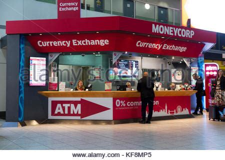 gatwick airport bureau de change currency exchange bureau at gatwick airport stock photo