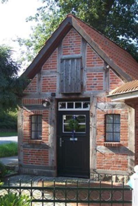 Kleines Fachwerkhaus Kaufen kleines fachwerkhaus im garten fachwerkhaus kleines garten