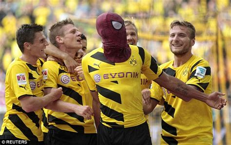 Borussia Dortmund 2-0 Bayern Munich: Pierre-Emerick ...